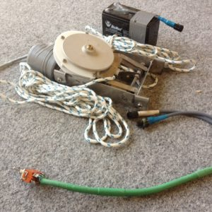 6111 - 40rpm mainsheet winch with switch and battery