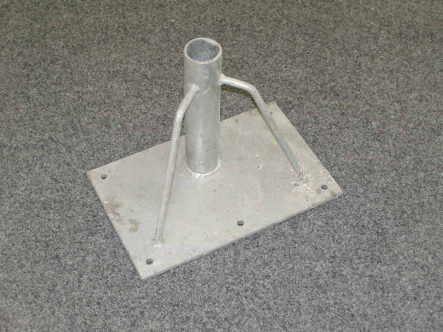5353 - Stand on rectangle base. Stainless steel