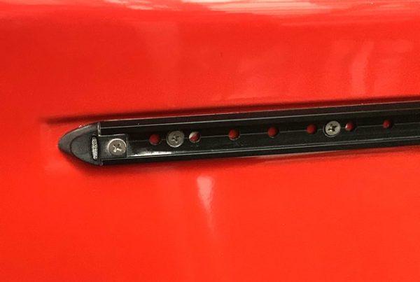 2343.2 Black aluminium deck track